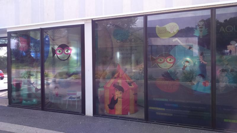Décor de vitrine, une réalisation Dynamik Publicité