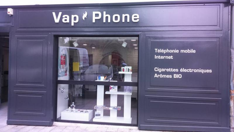 Publicité adhésive pour la boutique Vap Phone